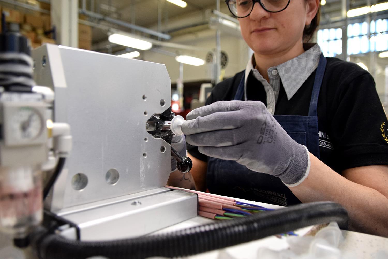 Photoshooting - Servizio fotografico corporate produzione - Facchini S.r.l | OIS