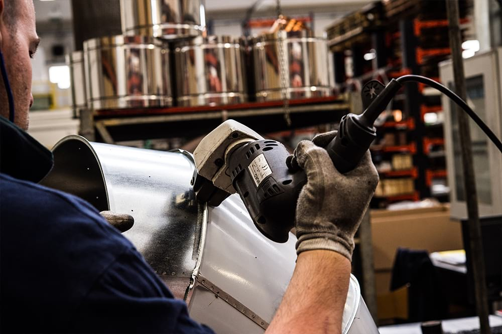 Photoshooting - Servizio fotografico corporate produzione - Zamboni Componenti in Lamiera | OIS